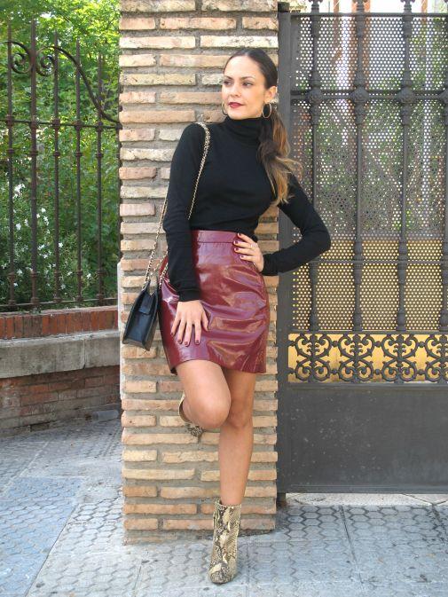 falda cuero y jersey