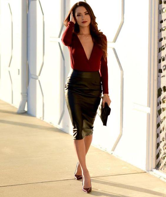 falda lapiz de cuero negra